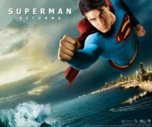 Superman fliegt durch die Luft, die Fäuste geballt und seinen Anzug mit dem Kap puzzle