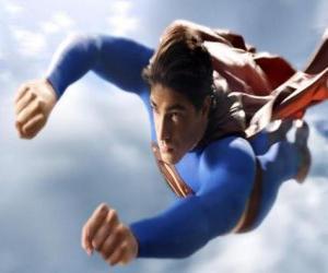 Superman flogen in den himmel, mit geschlossenen fäusten und mit seinem mantel anzug puzzle
