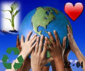Tag der Erde, 22. April. Eine glückliche Welt, eine Welt des Recyclings und der Liebe für die Umwelt puzzle