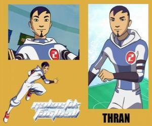 Thran ist Verteidigung der Fußball-Nationalmannschaft Galactic Snow-Kids mit Nummer 2 puzzle