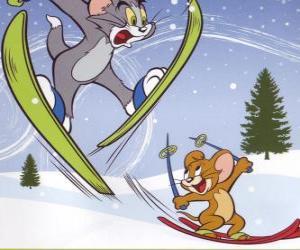Tom und Jerry in den Schnee mit den Skiern puzzle