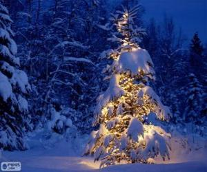 Verschneite Weihnachtsbaum puzzle