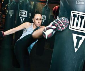 Vollständige Kontakt-oder Kickboxen Kämpfer Ausbildung Zugriffe auf den Sack puzzle