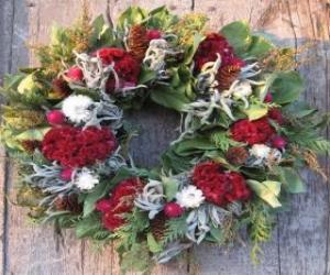 Weihnachten Kranz aus verschiedenen pflanzlichen Elementen puzzle