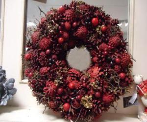 Weihnachten-Krone mit roten Früchten puzzle