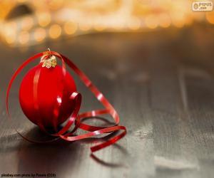 Weihnachtskugel und Klebeband puzzle
