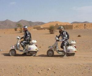 Zwei Abenteurer auf einem Motorrad puzzle